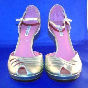 Charles David Gold Leather Ankle Strap Sandal Heel